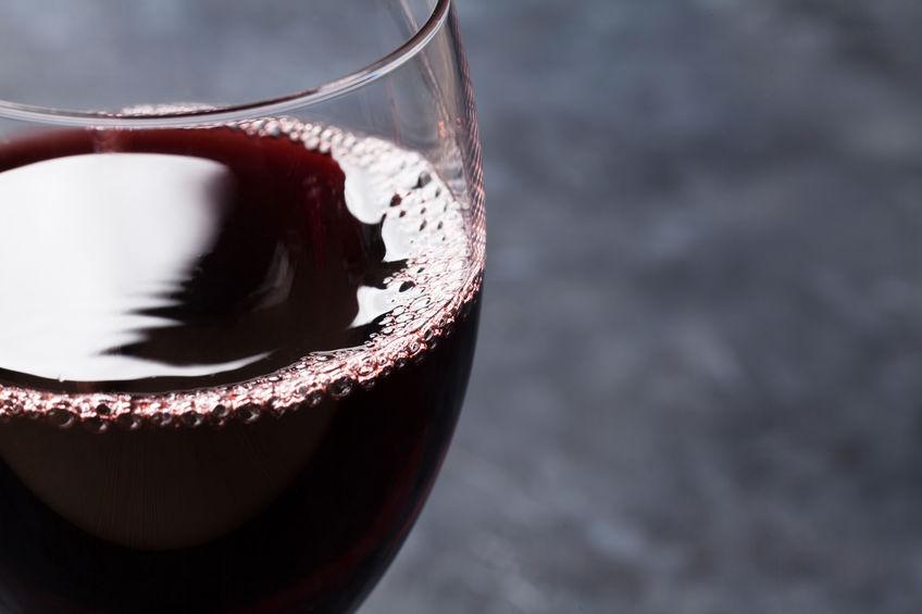 Universiteitsstudent 'verkrag' nadat hy 'gedrink' glas wyn gedrink het - TimesLIVE