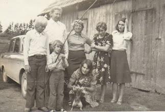 Photo: Svečiuose. Nuotrauka iš Gusčiūtės Laimutės archyvo