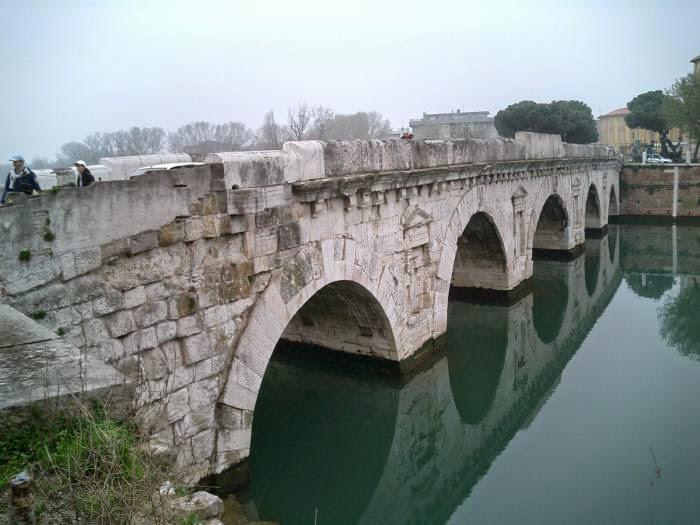Древнеримский пятиарочный мост Тиберия