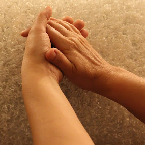 sharing by Rose Johnson - People Body Parts ( pwchandshake, heart, touch, hands, fingers )