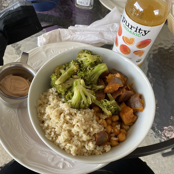 From specials menu: Buddha bowl: roasted sweet potatoes, organic brown rice & quinoa, roasted broccoli, spicy chick peas served with a spicy (not VG) or peanut sauce *Gf *VG