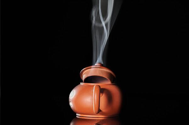 A smoky teapot  di Tita_86