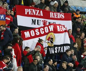 Protest in Manchester loopt uit de hand, supporters betreden het veld...
