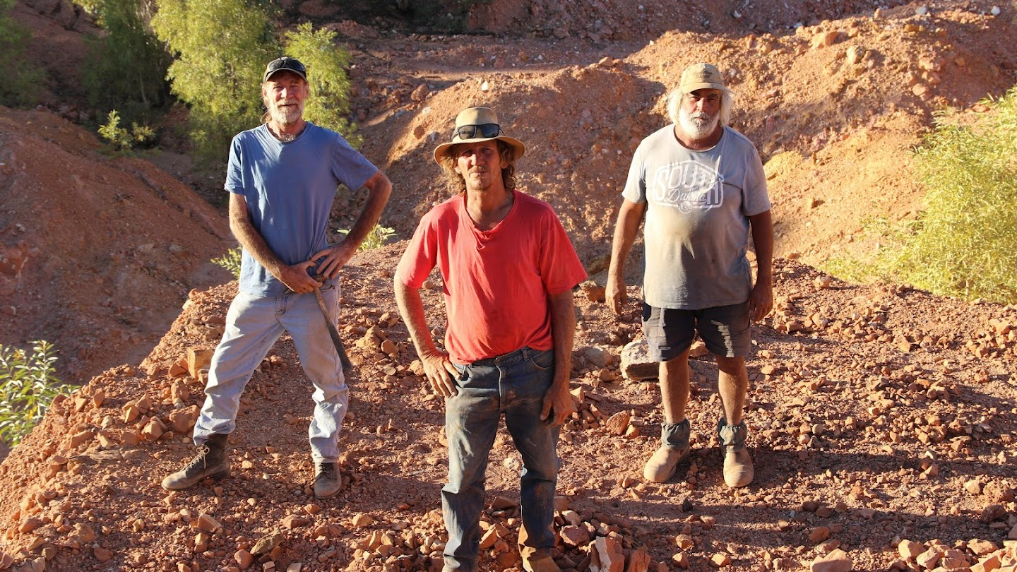 Watch Outback Opal Hunters live