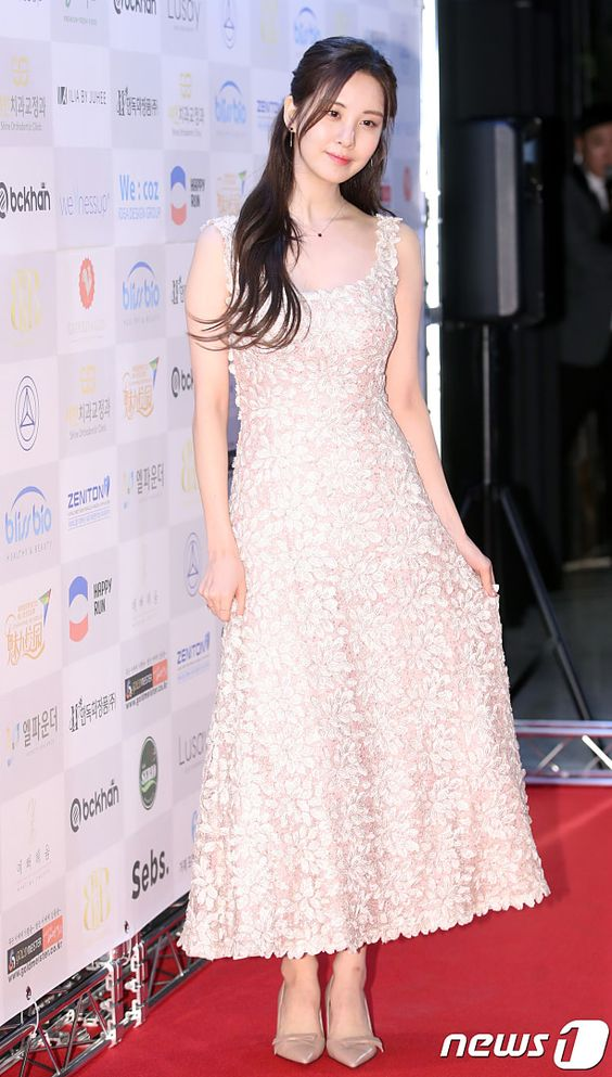 seohyun gown 33