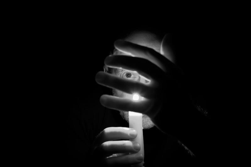 La paura del buio (o acluofobia)  di gianfry60