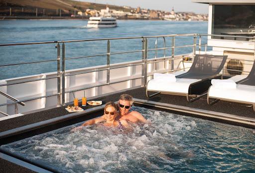 Scenic-Jasper-Vitality-Pool.jpg - The Vitality Pool on the luxury river ship Scenic Jasper.