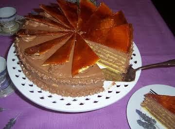 Dobos Torte (Hungarian drum cake)