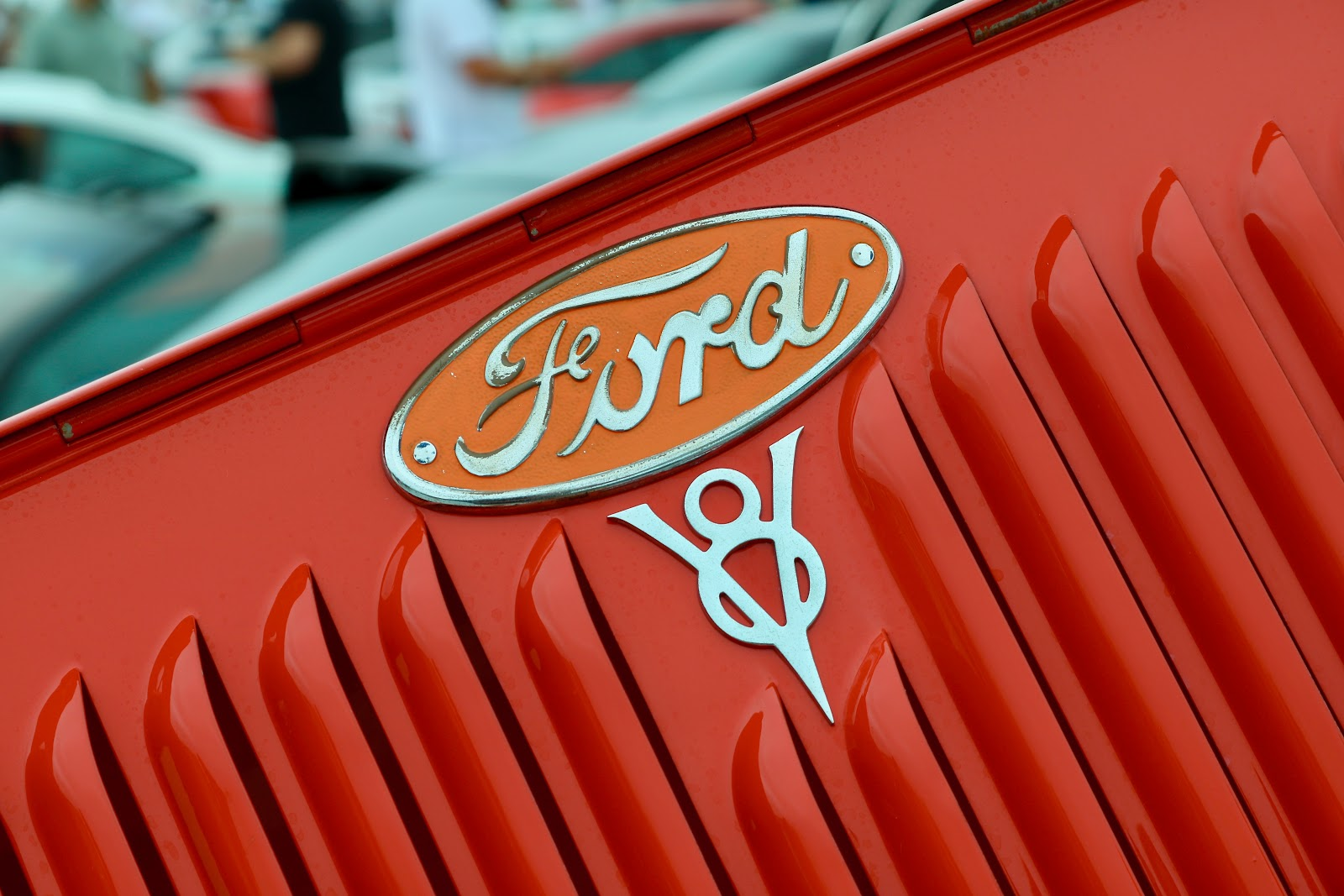 Red Ford auto auction
