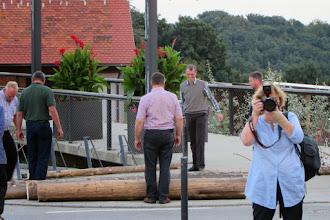 Photo: Bilder rund um den Maibaum - ich hab dich gesehen..aber man schießt nicht auf Freunde ;))