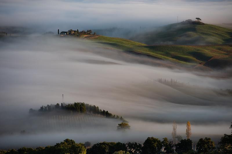 La nebbia agli irti colli .... di Fiore Doncovio