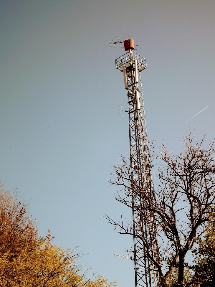Felsőszölnök/Kakasdomb - helyi URH-FM adóállomás