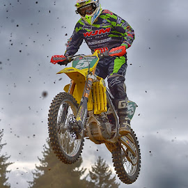 Jump Imto The Clump Shower by Marco Bertamé - Sports & Fitness Motorsports ( speed, green, number, yellow, race, noise, jump, flying, red, motocross, 5, clumps, air, high )
