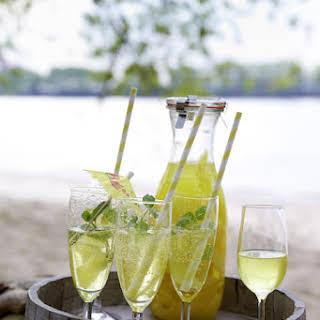 Limoncello Spritz.
