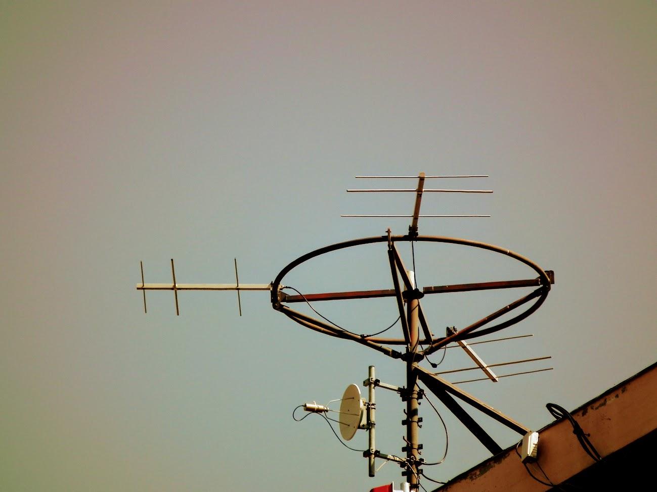 Pécs/Megyer, Diána tér - DVB-T gapfiller+helyi URH-FM adóállomás