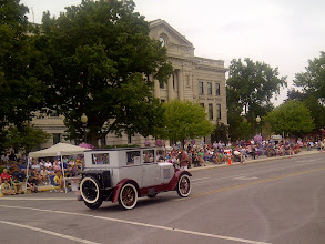 Photo: Auburn IN, ADC Walk, parade by courthouse