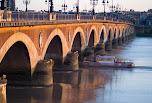 Pont de Pierre sur la Garonne