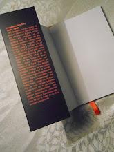 Photo: En la solapa viene una pequeña presentación del autor que podréis leer directamente en la siguiente foto.