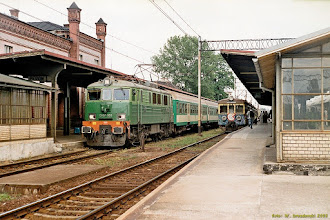 Photo: EU07-520, Wrocław Główny - Międzylesie, oraz EN71-41, Międzylesie - Wrocław Główny {Kamieniec Ząbkowicki; 2003-06-22}