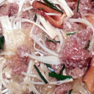 Ants Climbing a Tree (Ground Veal with Transparent Noodles).