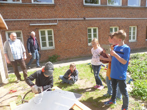 Photo: Kinder Projekt Plasma schneiden fürs Windspiel Windblüte, Travemünde mit Künstler Mirko Siakkou-Flodin