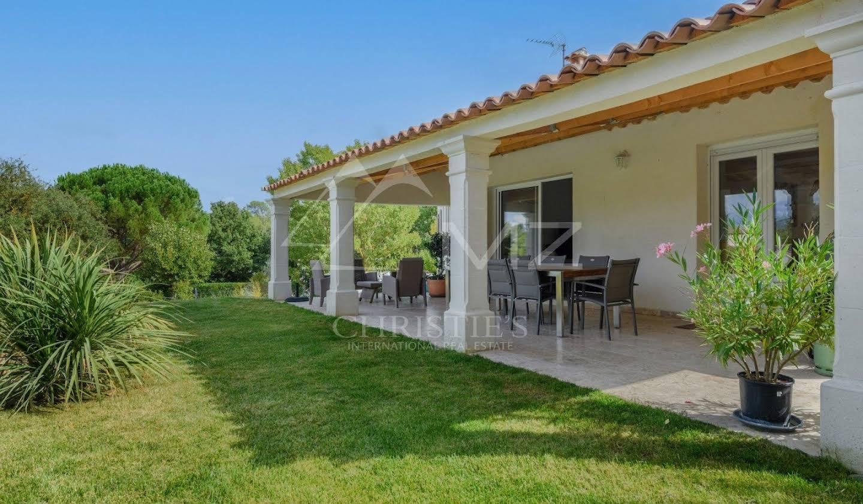 House with terrace Aix-en-Provence