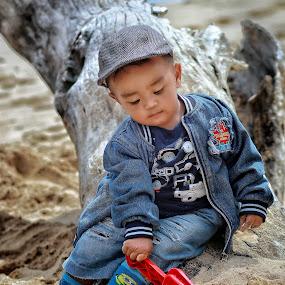 First time to the beach by Mardi Tri Junaedi - Babies & Children Children Candids ( #baby, #familytrip, #playingsand, #atthebeach, #hotday, #handsomekid,  )