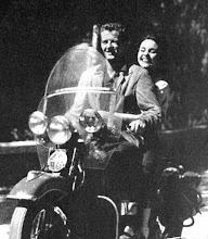 Photo: Robert Walker and Jennifer Jones 1943