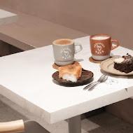 Thursday cafe拜喜咖啡