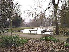 Photo: Der ehemalige Pavillon-Standort am Teich.