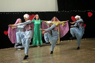 Photo: Sya sya (kor. A. El Kholy, tanssijat M. Roihuvuo, A. Saarikoski, K. Heiskanen, R. Räsänen, N. Virolainen, M. Koskinen)
