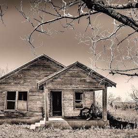 Memories by Craig Curlee - Buildings & Architecture Homes ( old homes, texas, farmhouse, country )