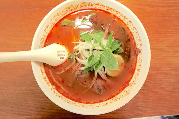 O'lala越法小館。台南中西區。高雅的用餐環境,親民價錢的越泰料理