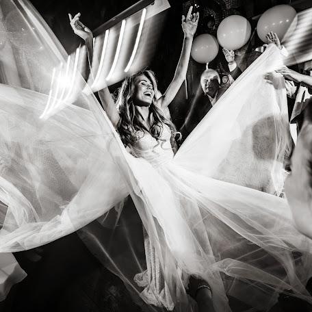 Wedding photographer Sergey Rzhevskiy (Photorobot). Photo of 10.07.2017