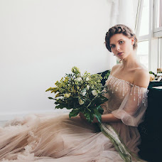 Wedding photographer Mikhail Batenev (mikebatenev). Photo of 24.08.2017