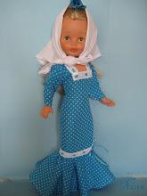 Photo: Vestido de chulapa azul turquesa con pañoleta y flor a juego.  Posibildiad de elegir más colores.  Precio: 28 euros más envío.  Si se desea mántón de manila bordado con flecos en blanco: 10 euros adicionales.