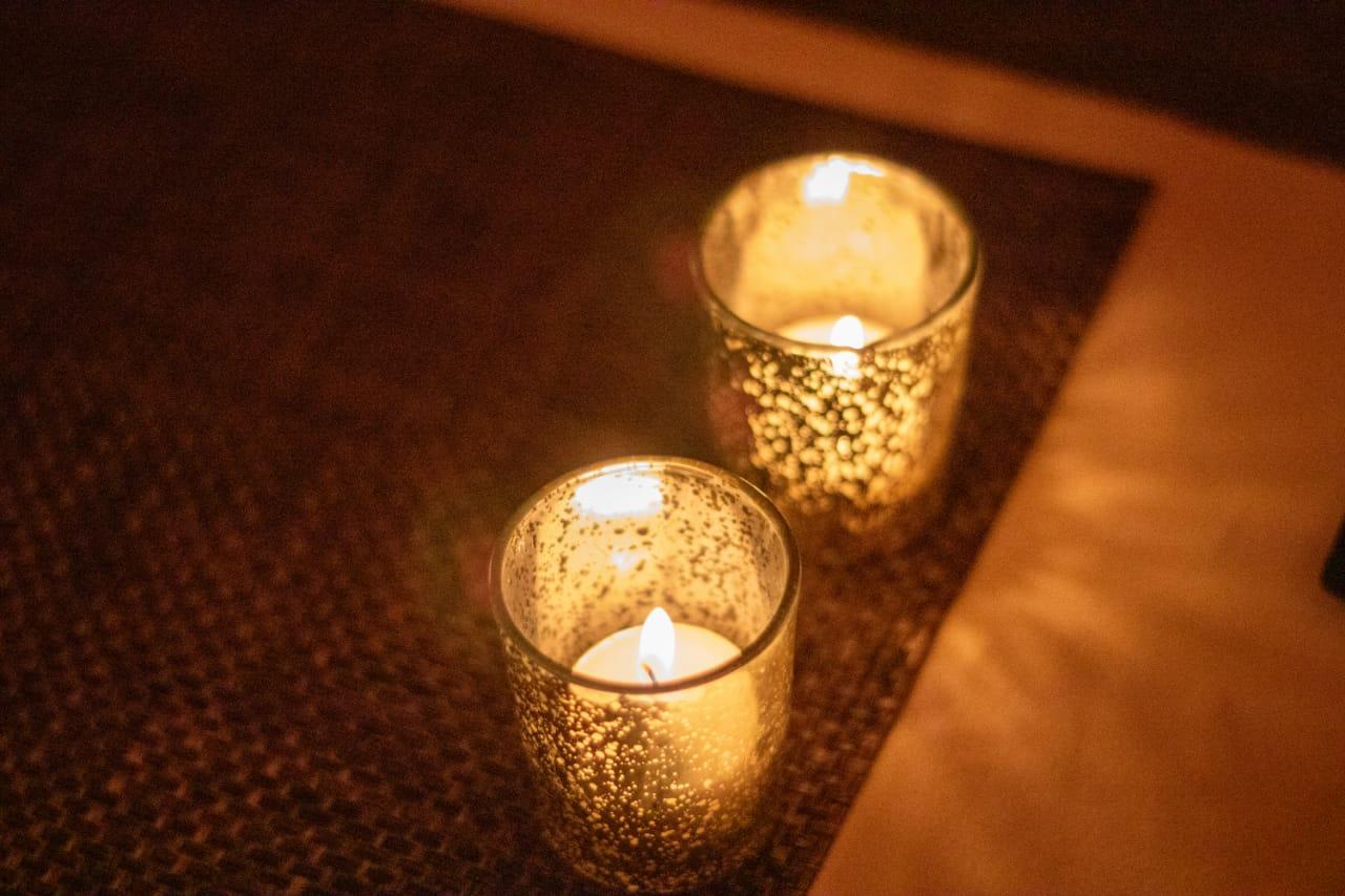 A ambientação com velas vai te trazer uma ótima divulgação para o dia dos namorados