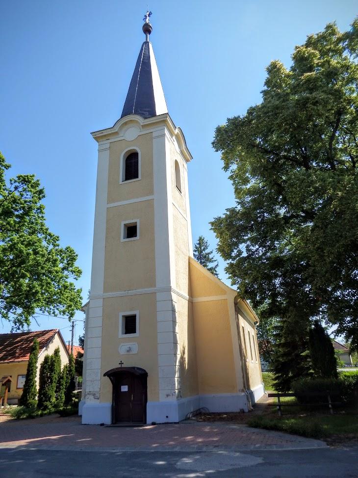 Alsóújlak - Szent István király rk. templom
