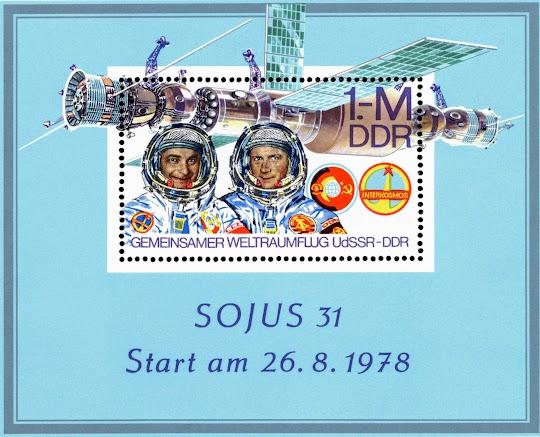 DDR-Briefmarkenblock: Grafik des Raumschiffs Souns 31 und der Kosmonauten Bykowski und Jähn. «Sojus 31, Start am 26. 08. 1978. Gemeinsamer Weltraumflug UdSSR - DDR.».