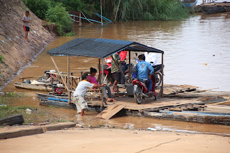 Photo: Laos Reisen, Faehre Khong Island