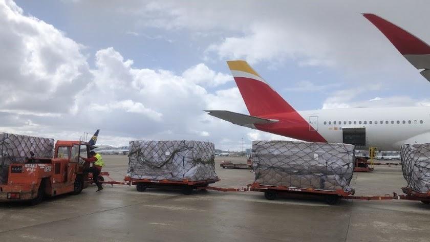 Uno de los aviones procedentes de China con material sanitario.