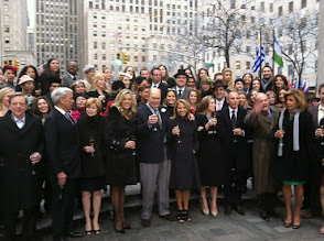 Photo: The whole Today Show crew on the plaza!