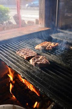 木漢堡原木炭烤漢堡聚落