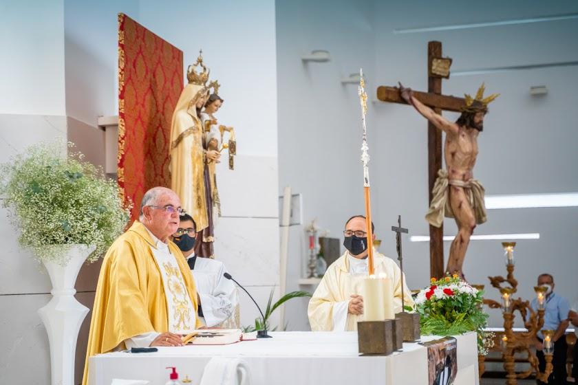 Roquetas celebra la misa en honor al Cristo del Mar