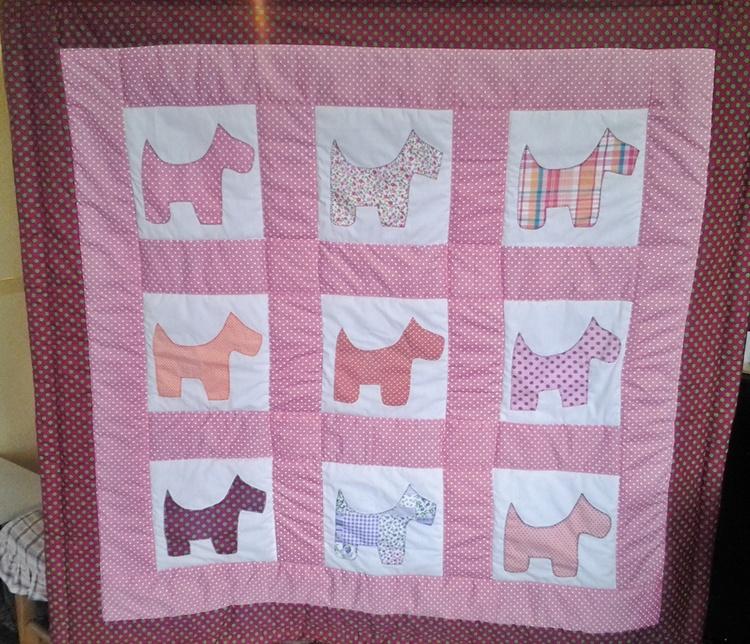 Utilizando o molde do cachorro, fizemos um tapete de atividades, em rosa. Opções e possiblidades não faltam, é preciso tomar a decisão. Trabalhamos em todos os tamanhos, entre em contato, tire suas dúvidas, aproveite que o frete é GRÁTIS!