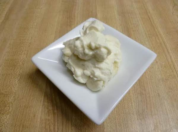 Light&silky Whipped Cream Cheese Frosting