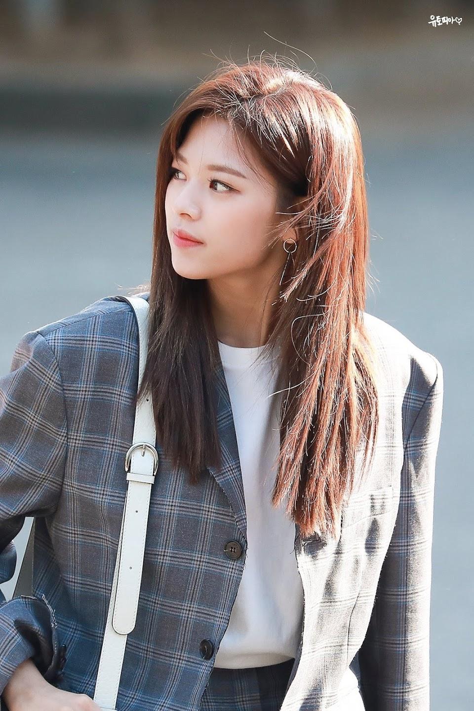 twice jeongyeon long hair