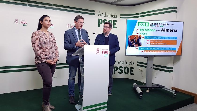 Los tres parlamentarios del PSOE de Almería.