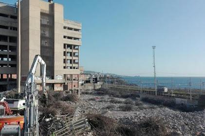 inizio demolizion palazzo delle poste