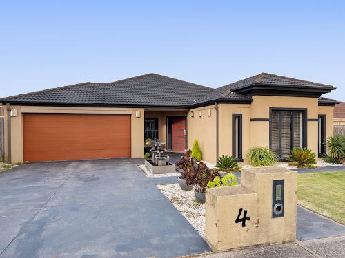 Photo of property at 4 Glenbrook Crescent, Lynbrook 3975